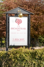broadstraik sign